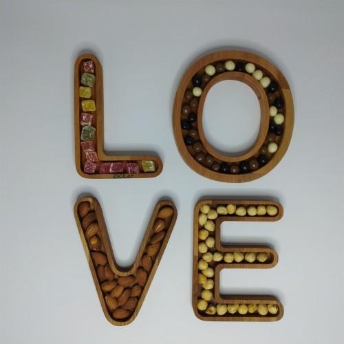 Ahşap LOVE Yazılı 4 Parça Çerezlik